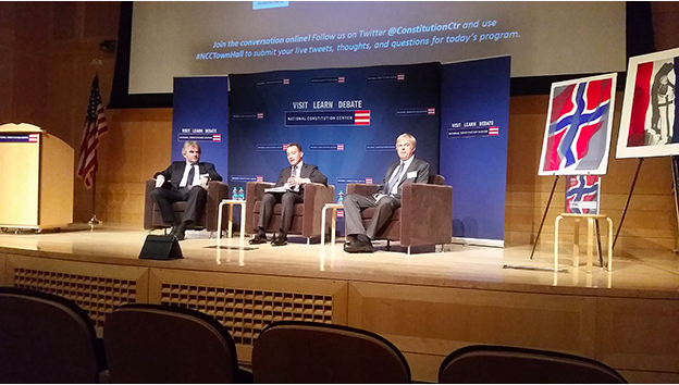 Photo: Michael Kleiner The speakers during the debate: Ola Mestad, Jeffrey Rosen, and Kaare Strøm.
